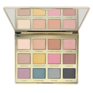 Product Display of Delicate Daisy Eyeshadow Palette